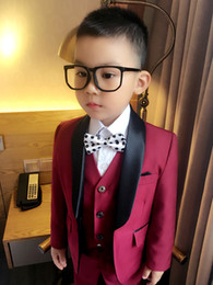 Barato Ternos Do Baile De Finalistas Dos Miúdos-New Arrival Boy Tuxedos Shawl Black Lapel Children Suit Navy Blue / Wine Kid Wedding / Baile de finalistas (Jacket + Vest + Pants + Bow Tie + Shirt) NH4