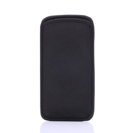 ingrosso custodia elastica iphone-Custodia morbida in neoprene nera proteggi maniche in neoprene per cellulari Custodia per cellulare Custodia per iPhone S e Samsung Galaxy S6 Edge