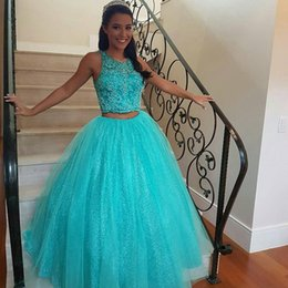 Barato Vestido De Lantejoulas-Two Pieces Quinceanera Vestidos Turquoise Ball Gown Prom Dress Sweet 16 Vestidos Beaded Crop Top sem mangas Sequins Saia com Tulle