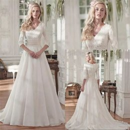 Barato Mais Tamanho Vestido De Lantejoulas-2018 New Fashion Lace A Line Vestidos de casamento com meia manga Vintage V Neck Sequin Ruched Organza Plus Size Bridal Gowns Covered Buttons