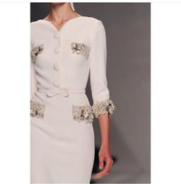 051a9a3efa1b 2016 robe de célébrité les femmes s habillent Yousef Aljasmi gaine manches  longues col en V blanc Myriam tarifs Floor-Length Custome