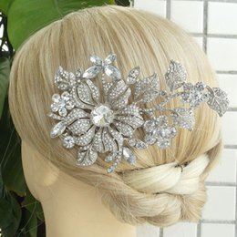 "$enCountryForm.capitalKeyWord Canada - 4.72""Tiara Bridal Orchid Flower Hair Comb w Clear Rhinestone Crystals FSE04712C1"