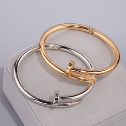 Wholesale High Quality Charming Gold Colour Women Cuff Nail Bangles Simple Style Elegant Metal Bracelet Bangle For Accessories S17