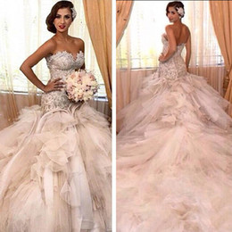 2016 Vintage Strapless Sweetheart Mermaid Wedding Dresses Luxury Lace Appliqued Top Corset Pearls Ruffled Bridal Gowns With Cathedral Train