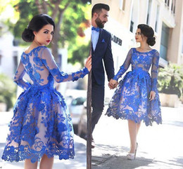 Barato Manga Comprida Vestido De Noite Prom-Royal Blue Prom vestidos de manga comprida Scoop Keen Lenght Lace Holow Graduação Vestidos Night Club Vestido Celebrity Vestidos Homecoming Evening GownZ