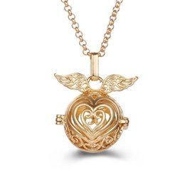 locket chain metal Canada - Heart-shaped Wings Aromatherapy Essential Oil Diffuser Pendants Women 2018 Fashion Metal Hollow Necklace Pendant Lockets Geometric Jewelry