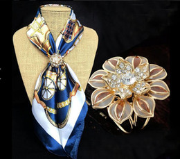 Scarf hoopS online shopping - Fashion Jewelry Women Buckle Hoop Brooches Gold Plated Rhinestone Flower Scarf Clips Wedding Brooch For Women