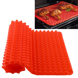 China Creative Useful Pyramid Pan Silicone Non Stick Fat Reducing Mat Microwave Oven Baking Tray Sheet Kitchen Tool cheap rubber sheet wholesale suppliers