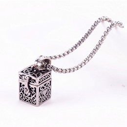 Chinese  Ashes Magic Box Pendant Urn Keepsake Vintage Necklace Titanium Steel Pet Cremation Jewelry Memorial Ash Holder Can Open Put Urn GZ201 manufacturers