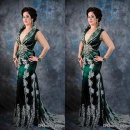 mother bride wedding mermaid dresses 2019 - Arabic Afktan Applique mother of bride dresses Deep V Neck Satin Green formal dresses bridal party dresses for wedding p