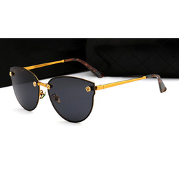 China 2018 hot summer women sunglasses Fashion Luxury brand desiner Polarizing Brand desinger flower sunglasses for women With Box 4 Colors supplier golden flowers suppliers