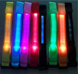 $enCountryForm.capitalKeyWord Canada - HOT 8 colors Led luminous belt fiber optic luminous hand ring luminous strap led flash bracelet Cycling Safety Bracelets Lights D584