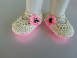 $enCountryForm.capitalKeyWord Australia - Fashionable Lovely Crochet Knitt girls booties with green flower Handmade Baby Socks infant bell Newborn Shoes Toddler Shoes 0-12M customize