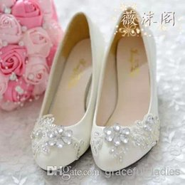 39103ad3a 2016 Ivory Wedding Shoes Lace Flower Crystal Bead Handmade Bridal Shoes  Bridal Accessories Beading Wedding Shoes Women Flat Sandal Platforms