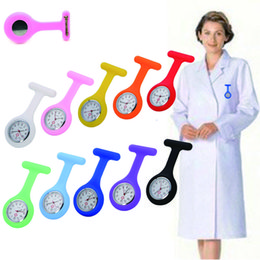 Bon prix vente chaude couleurs mélangées de montre de sein de matériel de silicone de Digital pour l'infirmière avec la goupille de sécurité