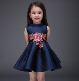 Barato Vestidos Elegantes Do Partido Dos Miúdos-Vestidos da menina flor com bordados elegantes Cores Navy Red Girls Party vestidos florais A Linha Kids Clothing Drop Shipping