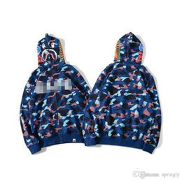 Suéteres Japón Baratos-2017 Nueva JAPÓN Bapes A Baño A Ape hombres Shark Head Jacket Sudaderas HOODIE BAPES Mar azul carta de camuflaje shark logo Sweater Coat