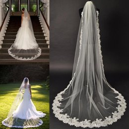 Discount crystal cathedral veils - 2016 New Long Elegant Wedding Veils Tulle Appliqued Lace Edge Crystal Cathedral Length With Comb Bridal Veils Wedding Ac