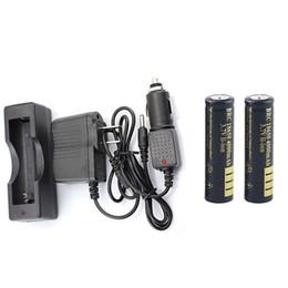 2 x 18650 4000 mAh Batterie Li-ion Portable 18650 Chargeur + Chargeur de voiture + Adaptateur secteur pour la batterie 18650 unique