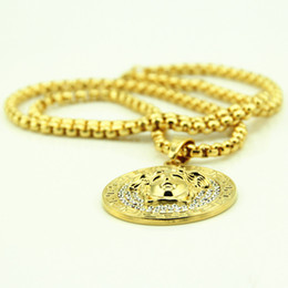 $enCountryForm.capitalKeyWord UK - Hip hop long necklace gold plated High quality crystal jesus piece pendant Fashion Jewelry for women & men Disk Pendant sweater chain Q0965