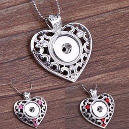 $enCountryForm.capitalKeyWord NZ - 2015 New Hot NOOSA Metal Ginger Snap Button Heart Pendants Necklace with Crystal Jewelry Interchangeable Jewerly 4 Colors