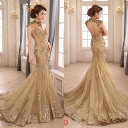 Barato Vestidos De Noiva Pura Por Atacado-Atacado - 2016 Luxury Gold Mermaid Wedding Dress High Neck Sheer Illusion Beaded Applique Chapel Train Backless vestido de noiva EM03579