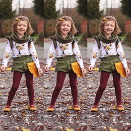 Wholesale Retro Floral Kids Baby Girls Outfits Clothes Long Sleeve T shirt Tops Short Pants Set Ruffle Green Girl Clothing Boutique