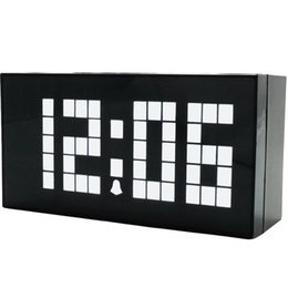 http://www.dhresource.com/260x260s/f2-albu-g1-M01-68-6B-rBVaGFZC8wKAX0E6AADdh9eQ1k4904.jpg/led-digital-alarm-clock-desk-or-wall-mount.jpg