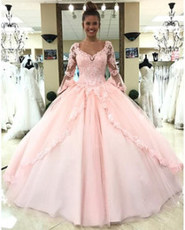 $enCountryForm.capitalKeyWord Canada - Elegant Lace Quinceanera Dresses Pink Long Sleeves Masquerade Ball Gowns with Appliques V neck Sweet 16 Dresses Party Evening Gowns
