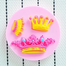 Sugar Cookies Cutter Canada - 2015 crown wreath shower party fondant molds,silicone mold soap,candle moulds,sugar craft tools,chocolate moulds,cookie cutter