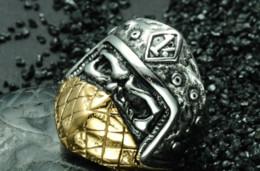 1b149dd85f9c Moda Punk Gothic Rocker biker Two Tone Gold Titanium Máscara de acero  inoxidable Skull Rings para hombres joyas