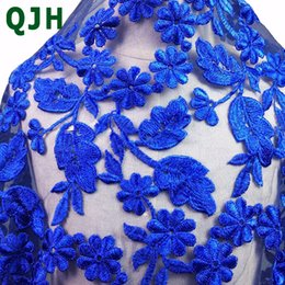 Barato Tecidos De Safira Azul-5 Yards Beautiful Sapphire Blue Polyester Seda Bordado Lace Tecido Skin-friendly Soft Summer Dress Pano acessórios como presente.
