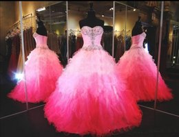 Robe Sexy Douce Et Sexy Pas Cher-Plus Size Quinceanera Robes Ball Gown Perles Paillettes Tulle Volants à plusieurs niveaux Lace Up Sweetheart Hot Pink Robes de bal Sweet 16 Dress
