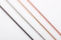 Vente en gros 10pcs / lot (4colors for choise) mode collier de serpent lisse collier bijoux pour pendentif charmes flottant médaillon