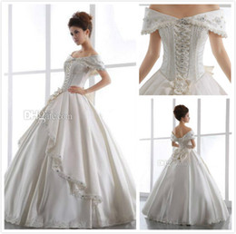 Barato Vestido De Casamento Vintage Marfim Frisado-Vintage Ivory Church Wedding Dresses 2015 Off Shoulder Backless Lace Up Beaded Pavimento Comprimento Satin Ball Gown Sheer Bridal Gown Bow Rhinestone