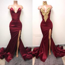 Barato Elegantes Vestidos Elegantes De Ouro-Elegant Burgundy Evening Dresses 2018 Sweetheart Satin Side High Split Gold Appliques Mermaid Prom Gowns Sweep Train Custom Made