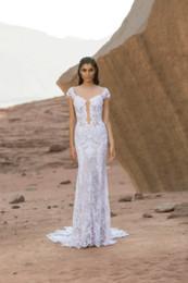 Illusion V Neck Wedding Dress Canada - 2016 Lace Wedding Dresses Illusion Bodice Deep V-Neck Backless Vintage Wedding Gowns Garden Sweep Train Applique Sheer Wedding Dresses