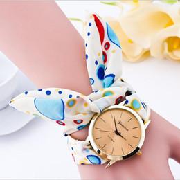 Ladies Fashion Summer Bohemian Style Stampa su tela Orologio al quarzo Orologio da donna Montre 2016 Femmina femminile orologio