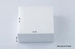 Белый Пандора стиль Коробка Плоская Губка или Подушка Внутри Подвески Ожерелье Из Бисера Серьги Кольцо Браслет Подарочные коробки бумажные пакеты Пакет Дисплей