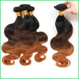 Ingrosso Ombre capelli umani tre toni cucire in bundle vendita, 1B / 4/30 prominente vergini peruviane vergini onda del corpo, 10-30 '' eleganti estensioni del tessuto dei capelli di Ombre