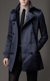 2018 nueva manera del Mens largo abrigos de invierno de los hombres adelgazan la capa de foso casual para hombre de pecho doble capa de foso del Reino Unido Estilo Outwear en venta