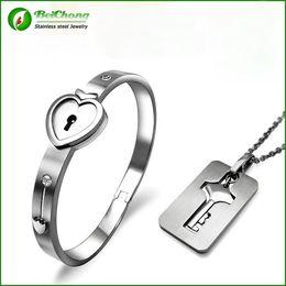 $enCountryForm.capitalKeyWord NZ - BC Jewelry 2015 Fashion Popular Men Women's Stainless Steel Heart Key + Lock Sets Lovers Couples Bracelet BC-0041