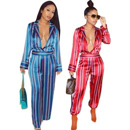 Barato Macacões Soltos Para Mulheres-Deep V-Neck Sexy Loose Jumpsuit para Mulheres Turn-down Collar Long Sleeve Rompers Autumn Vertical Striped Wide Leg Overalls