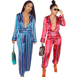 Manches Longues Verticales Pas Cher-Deep V-Neck Sexy Loose Jumpsuit pour les femmes Turn-down Collar à manches longues Rompers Automne Vertical Striped Wide Leg Salopettes