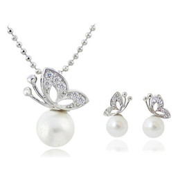 Gifts For Pearl Anniversary NZ - Butterfly Pearl Necklace Earrings Sets Full Rhinestone Jewelry For Women Best Gift Fashion Jewelry Sets 1290