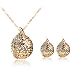 elegant evening jewelry Canada - Elegant Design Necklace Earring Sets Zinc Alloy Crystal Earrings Necklace Jewelry Sets Evening Prom Fashion Jewelry 1044