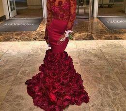 2017 Ragazza nera Borgogna abito da sera con la rosa floreali increspature puro sirena di promenade con perline maniche lunghe Abiti da sera con Bra