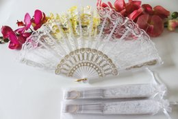 Fans Pack Canada - Free shipping 24pcs lot white color plastic frame lace fan wedding hand fan for bride with white organza bag packing