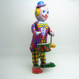 $enCountryForm.capitalKeyWord Canada - 30pcs lot Classic collection retro clockwork Wind up Metal Walking Tin Toy Drumming Clown drummer Robot kids christmas gift toys