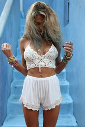 Bikinis De Vacances Sexy Pas Cher-2015 New Arrival Hand-made Crochet Beach Bikini Bra Tank Top Femme Sexy Halter Summer Holiday Bikini Crop Top zy